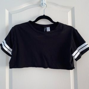 H and m crop top